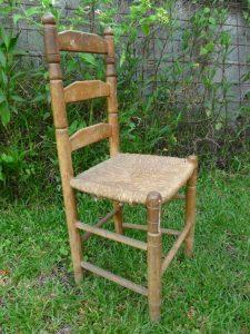 chaise à rénover, repeindre, les ateliers d'anis réunion