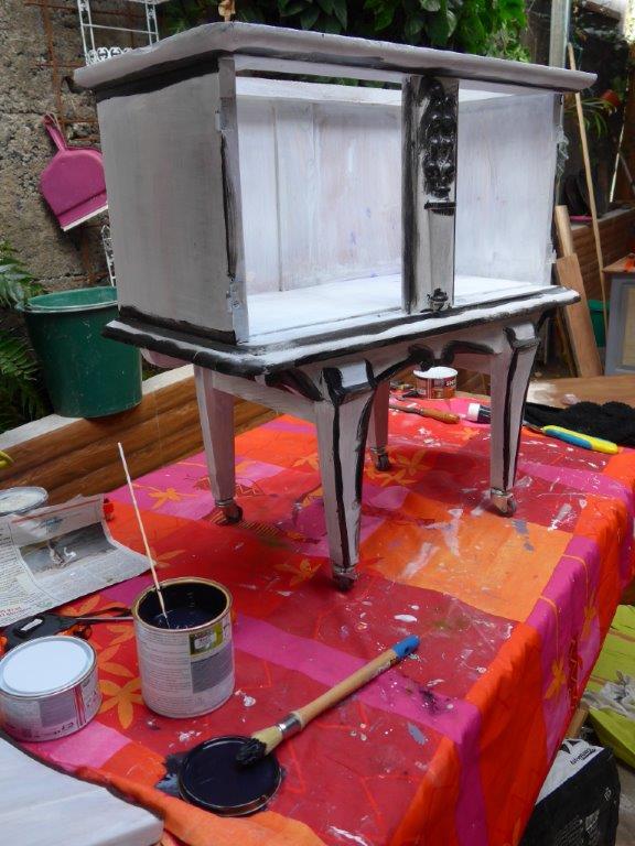 petit meuble repeint effet usé les Ateliers d'Anis, Réunion